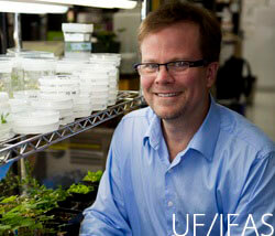 Kevin Folta, associate professor of Horticultural Sciences.  UF/IFAS Photo by Tyler Jones.