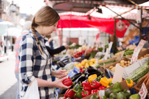 farmers market, fresh food to consumers